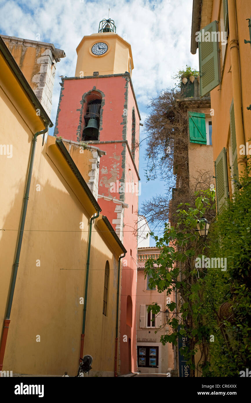 Alley in the old town, Eglise Notre-Dame de Assomption church, historic district of , La Ponche, Var department, Stock Photo
