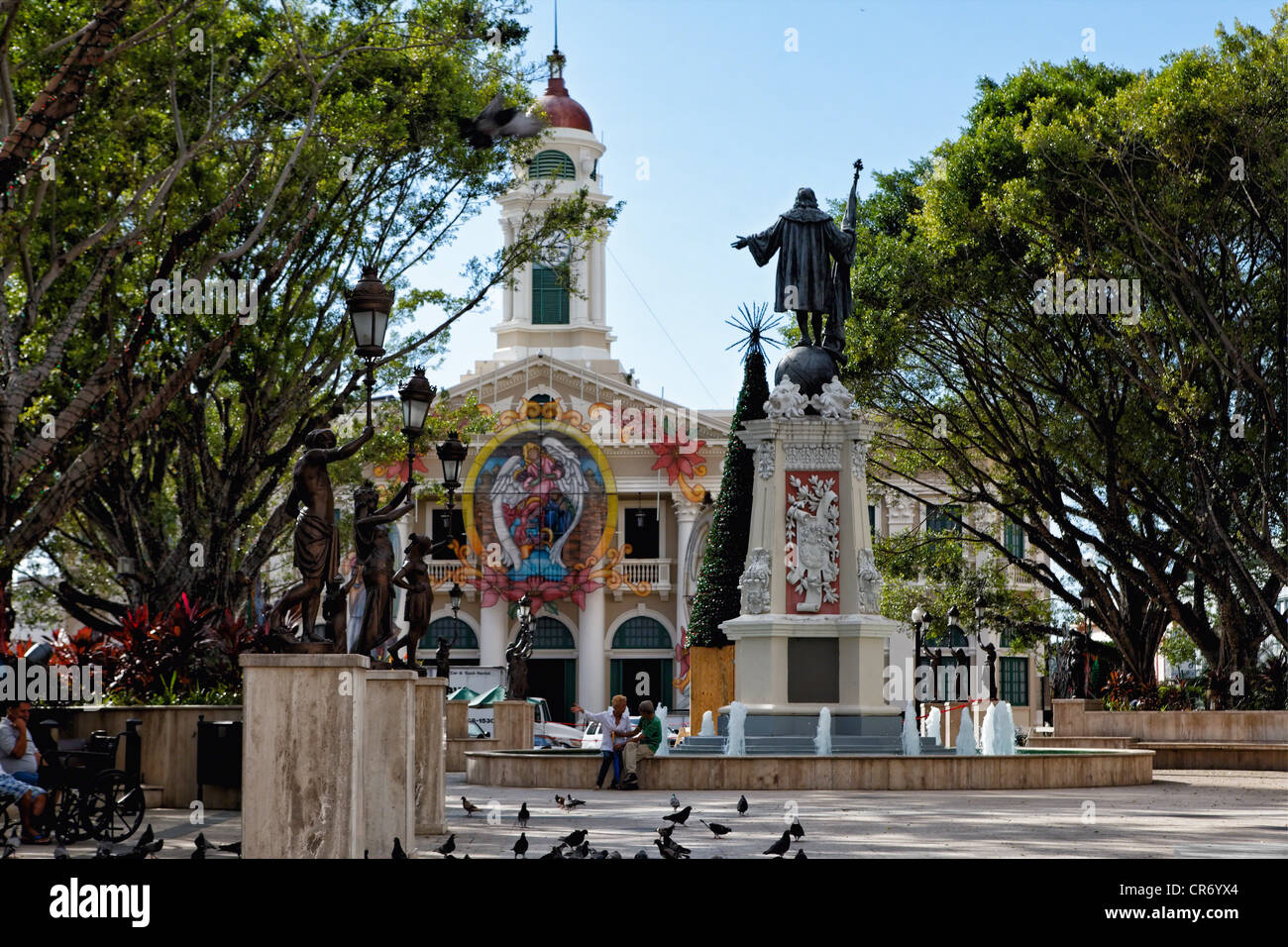 View of Plaza Colon with the City Hall and the Statue of Christopher Columbus, Mayaguez, Puerto Rico - Stock Image