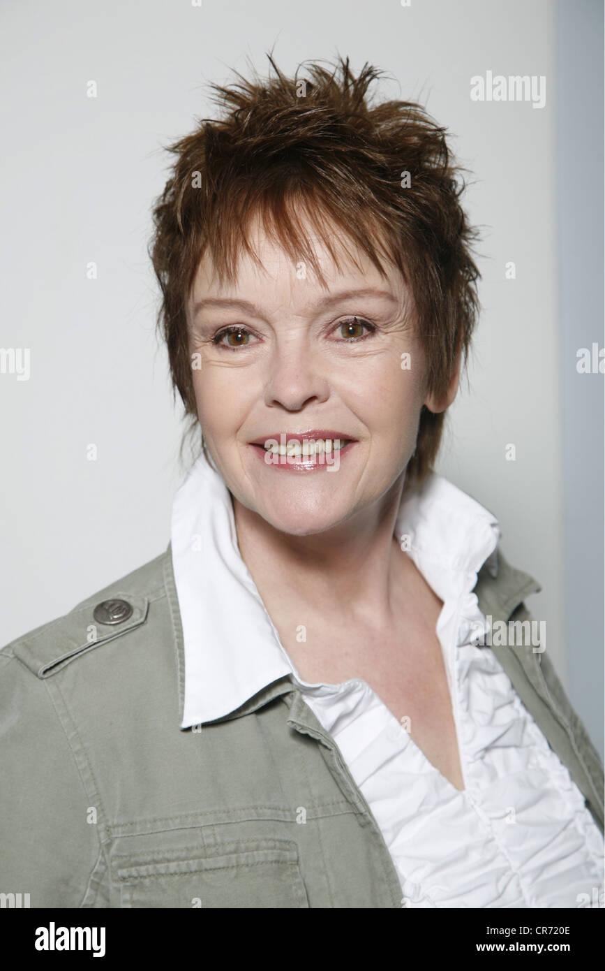 Sass, Katrin, * 23.10.1956, German actress, half length, photo call, Hamburg, 2009, Additional-Rights-Clearances - Stock Image