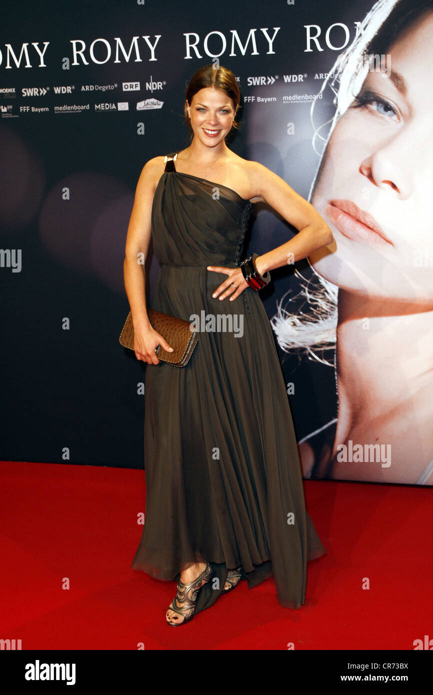 Schwarz, Jessica, * 5.5.1977, German actress, full length, at premiere of the movie 'Romy', Cinestar, Berlin - Stock Image
