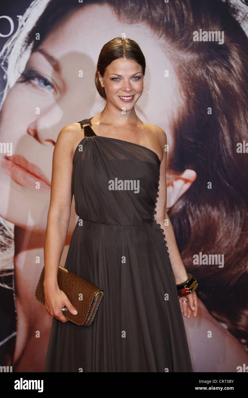 Schwarz, Jessica, * 5.5.1977, German actress, half length, at premiere of the movie 'Romy', Cinestar, Berlin - Stock Image