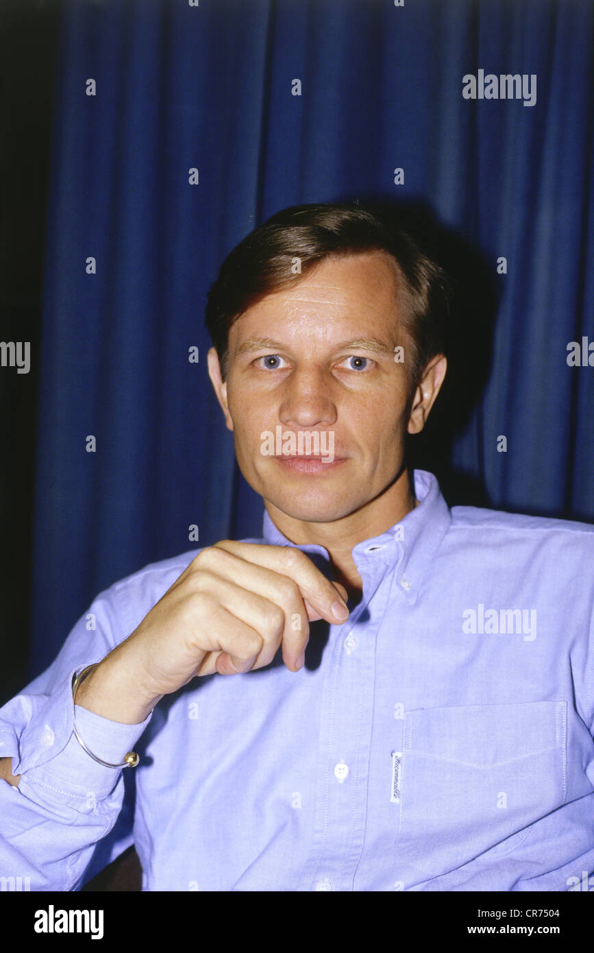 Michael York (born 1942) Michael York (born 1942) new pictures