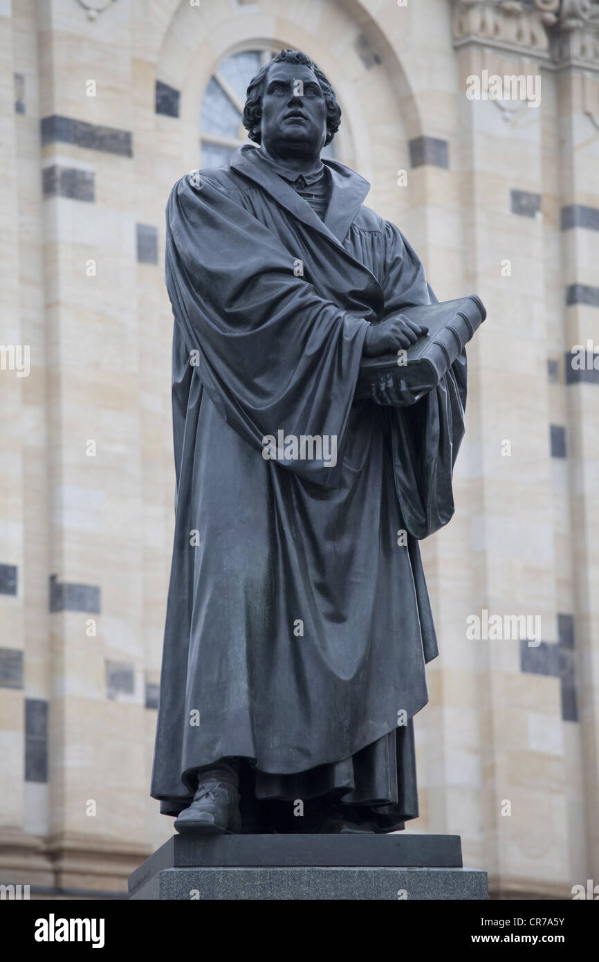 Luther, Martin, 10.11.1483 - 18.2.1546, German reformer, full length, statue, Dresden, Additional-Rights-Clearances - Stock Image
