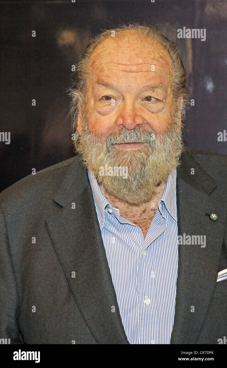 spencer bud 21101929 italian actor portrait during book - Bud Spencer Lebenslauf