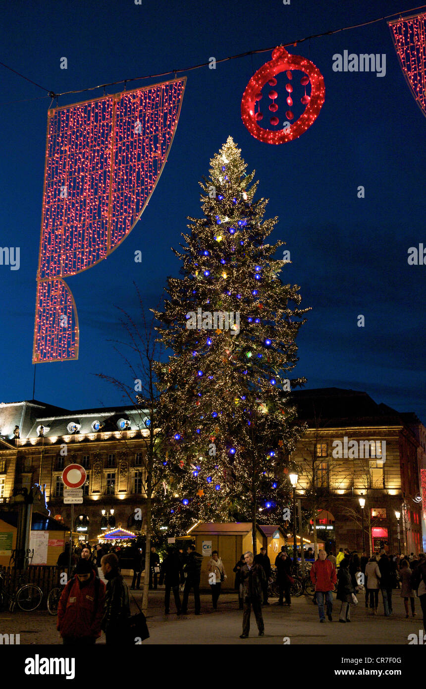 france bas rhin strasbourg unesco world heritage big christmas tree of the place kleber with the lighting of the rue des