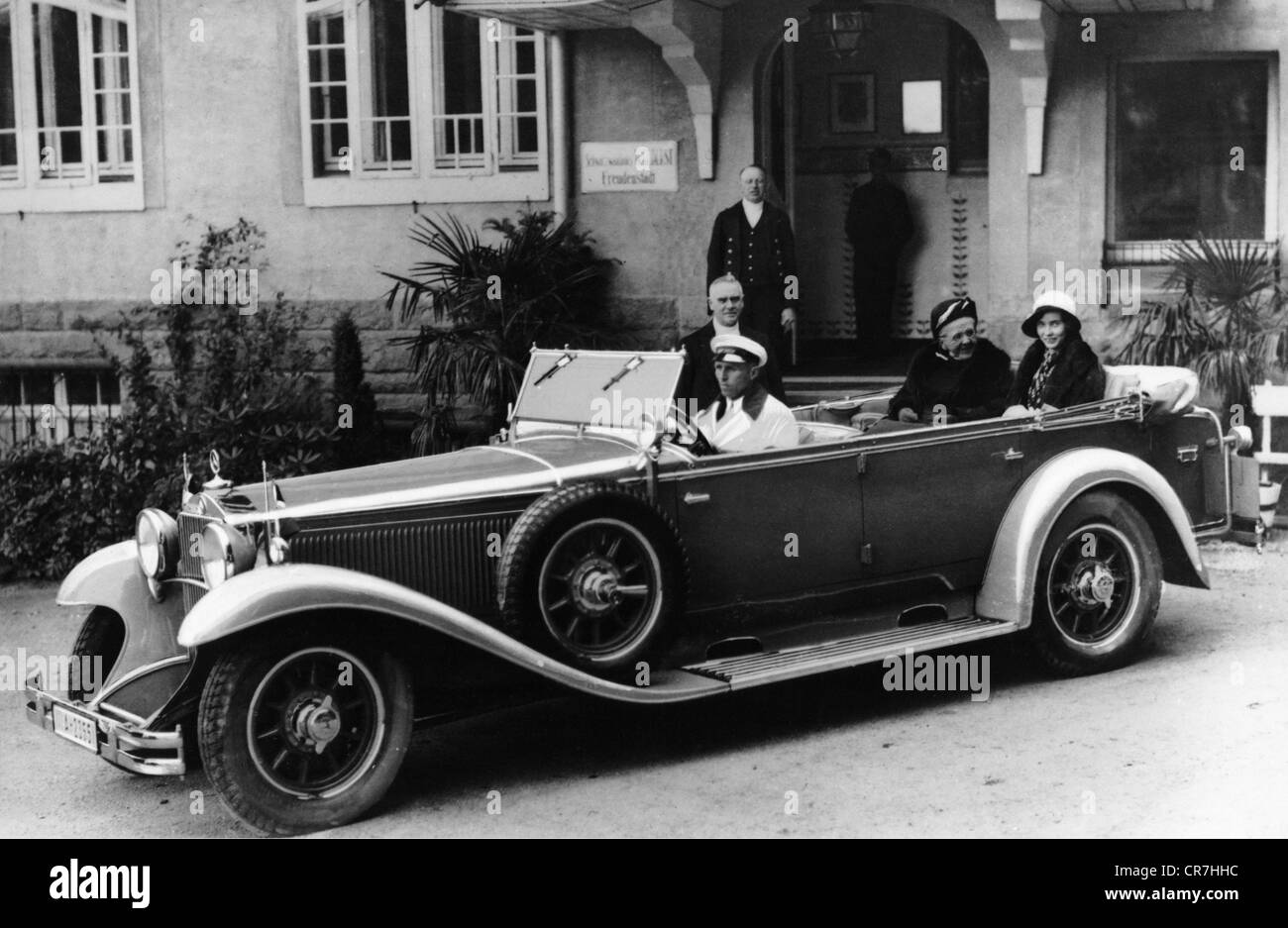 Emma, 2,8,1858 - 20.3.1934, Queen of the Netherlands 7.1.1879 - 23.11.1890, in a Mercedes-Benz Nuerburg 460, Freudenstadt, circa 1930, Stock Photo