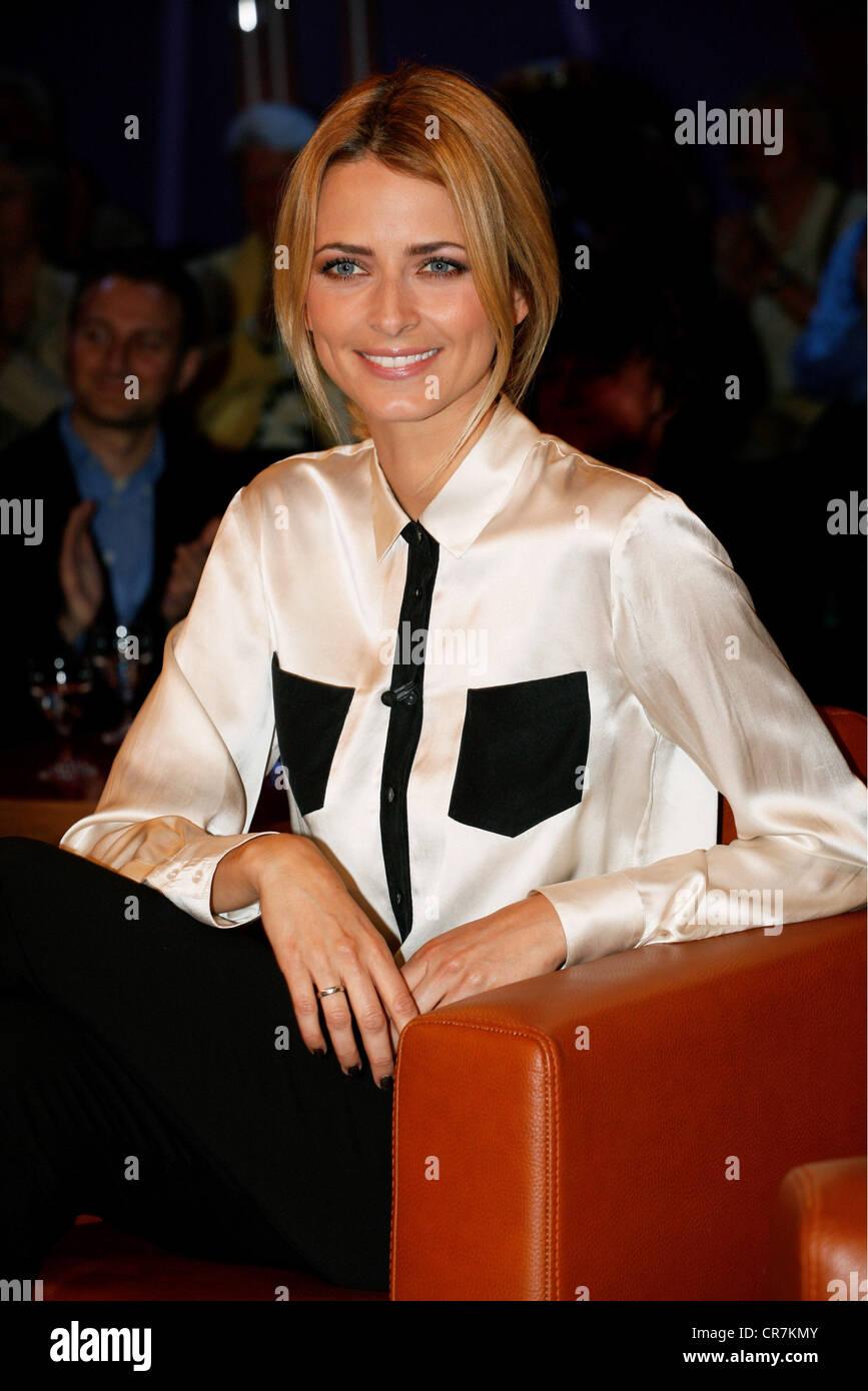 Padberg, Eva, * 27.1.1980, German model and mannequin, portrait, guest in the German telecast 'NDR Talk Show', - Stock Image