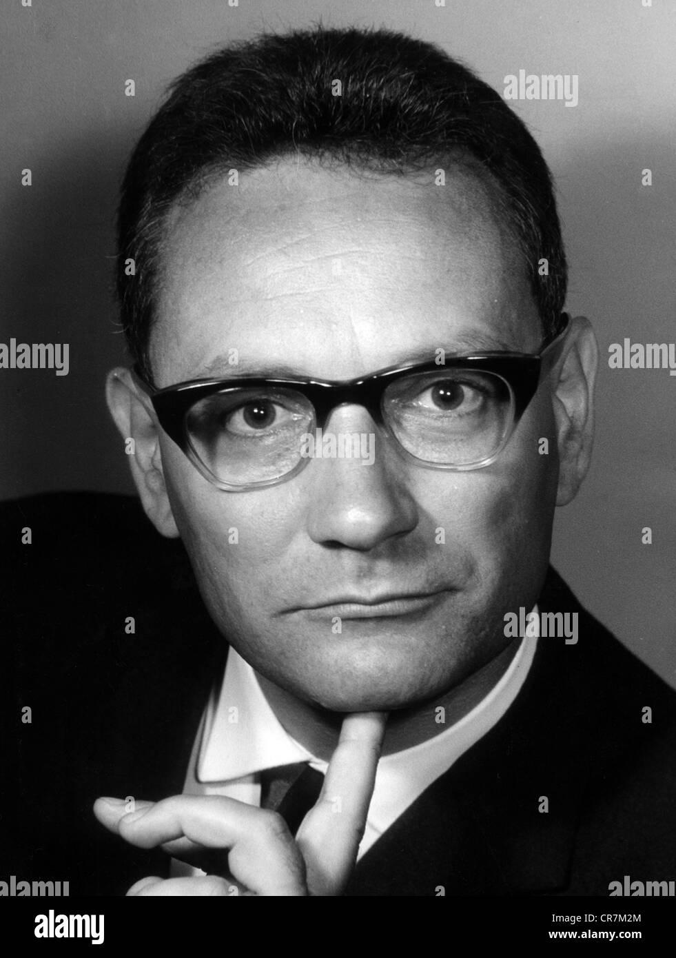 Fischer-Fabian, Siegfried, 22.9.1922 - 16.11.2011, German journalist and author / writer, portrait, 1960s, Additional - Stock Image