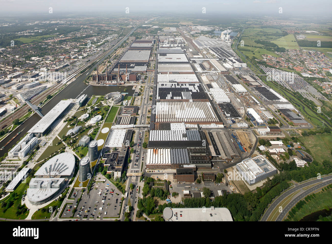 aerial view volkswagen plant vw factory autostadt. Black Bedroom Furniture Sets. Home Design Ideas