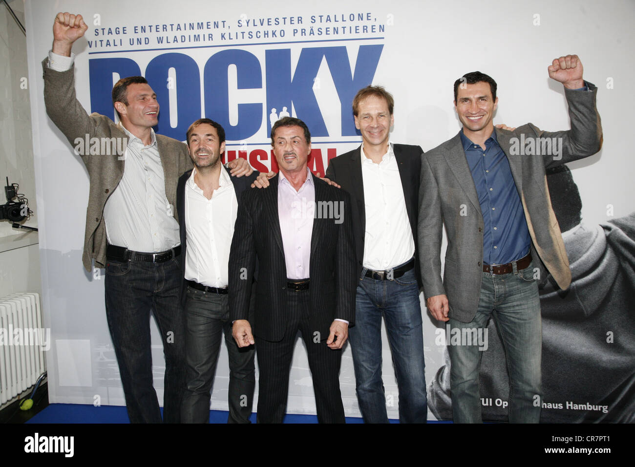 Stallone, Sylvester, * 6.7.1946, American actor, half length, group picture with Vitali and Wladimir Klitschko, - Stock Image