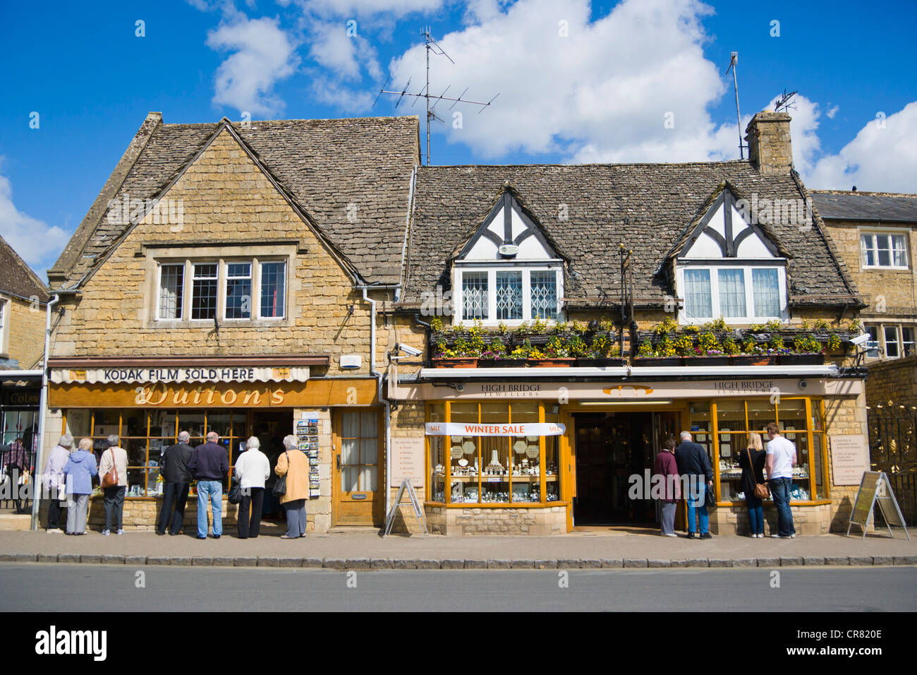 High Street, Bourton on the Water, Venice of the Cotswolds, Gloucestershire, England, United Kingdom, Europe - Stock Image