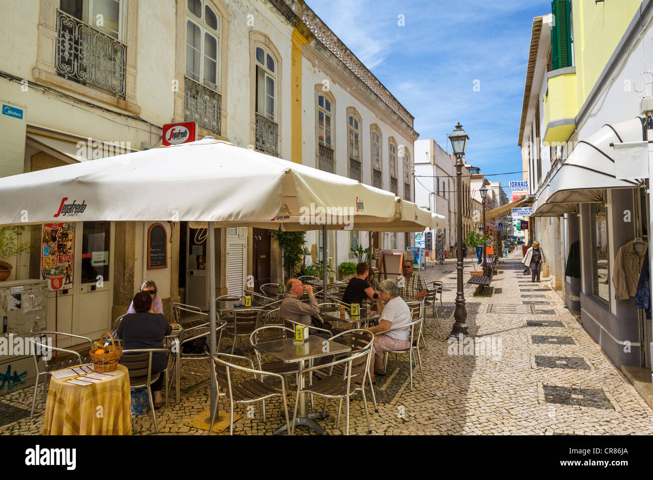 Street cafe and shops in the Old Town, Silves, Algarve, Portugal Stock Photo