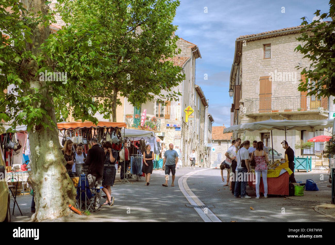 France, Gard, Barjac, Renaissance city between Ceze valley and Ardeche in the Provencal Gard, Friday market day - Stock Image