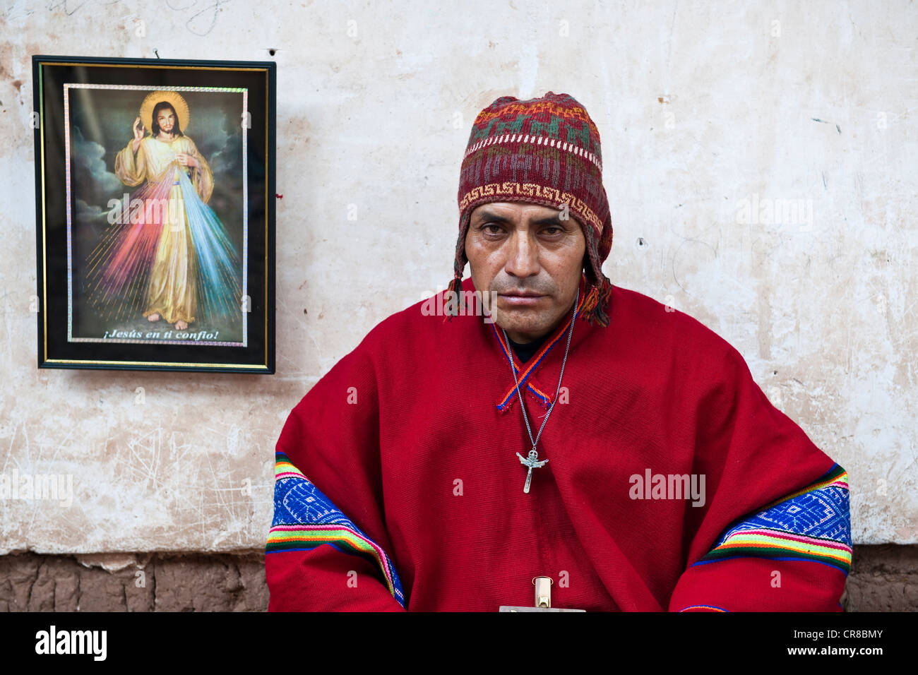 Peru Cuzco Province Huasao listed as mystical touristic village Pablo shaman curandero officiating in village ceremony - Stock Image