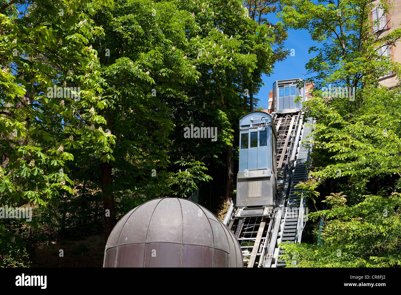 France, Tarn et Garonne, Montauban, the old lift in the Jardin des Plantes - Stock Image