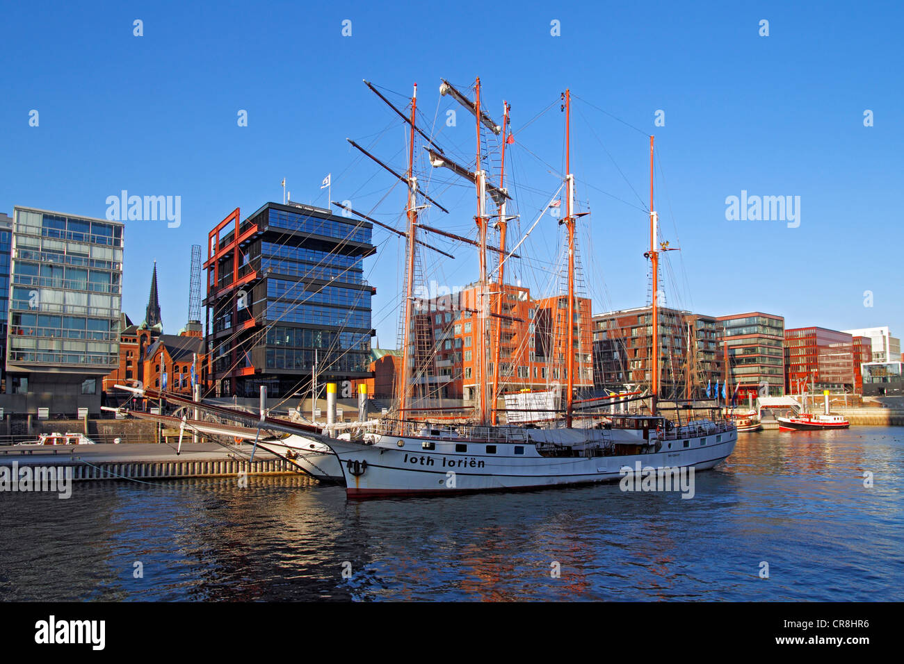 Modern luxury apartments, office buildings, historic ships, Magellan-Terrassen terraces and traditional ship harbour, - Stock Image