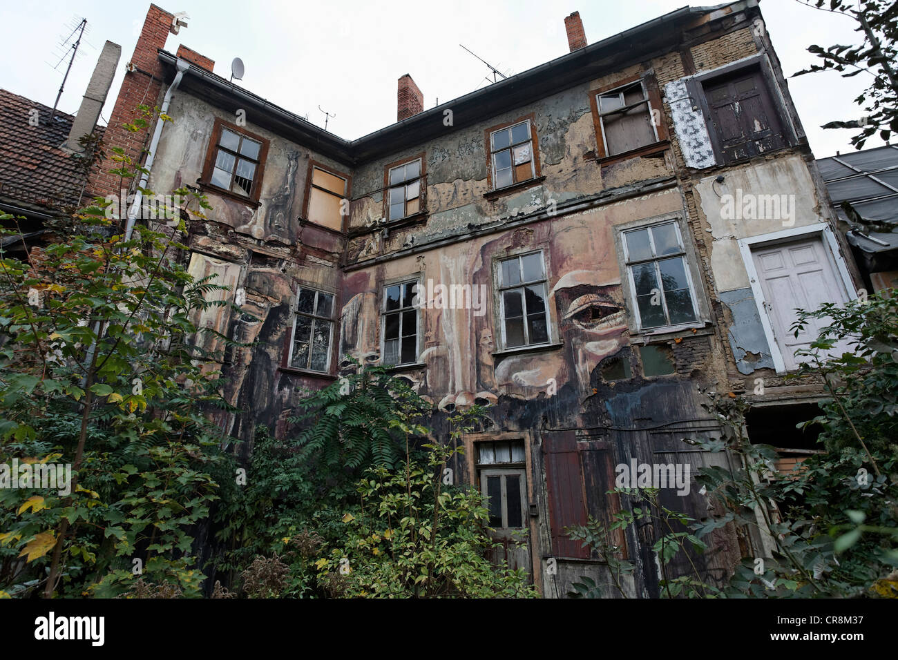 Picturesque, run-down house in the historic centre of Erfurt, Thuringia, Germany, Europe - Stock Image