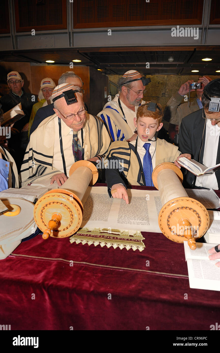 Bar Mitzvah, Jewish coming of age ritual, public reading from the Books of the Prophets, Haftarah, underground part - Stock Image