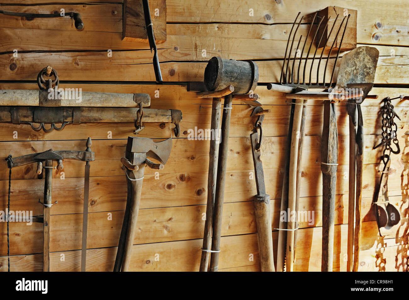 Garden tools, Haeuslmannhof farm, Bauernhausmuseum Amerang farmhouse museum, Amerang, Bavaria, Germany, Europe - Stock Image