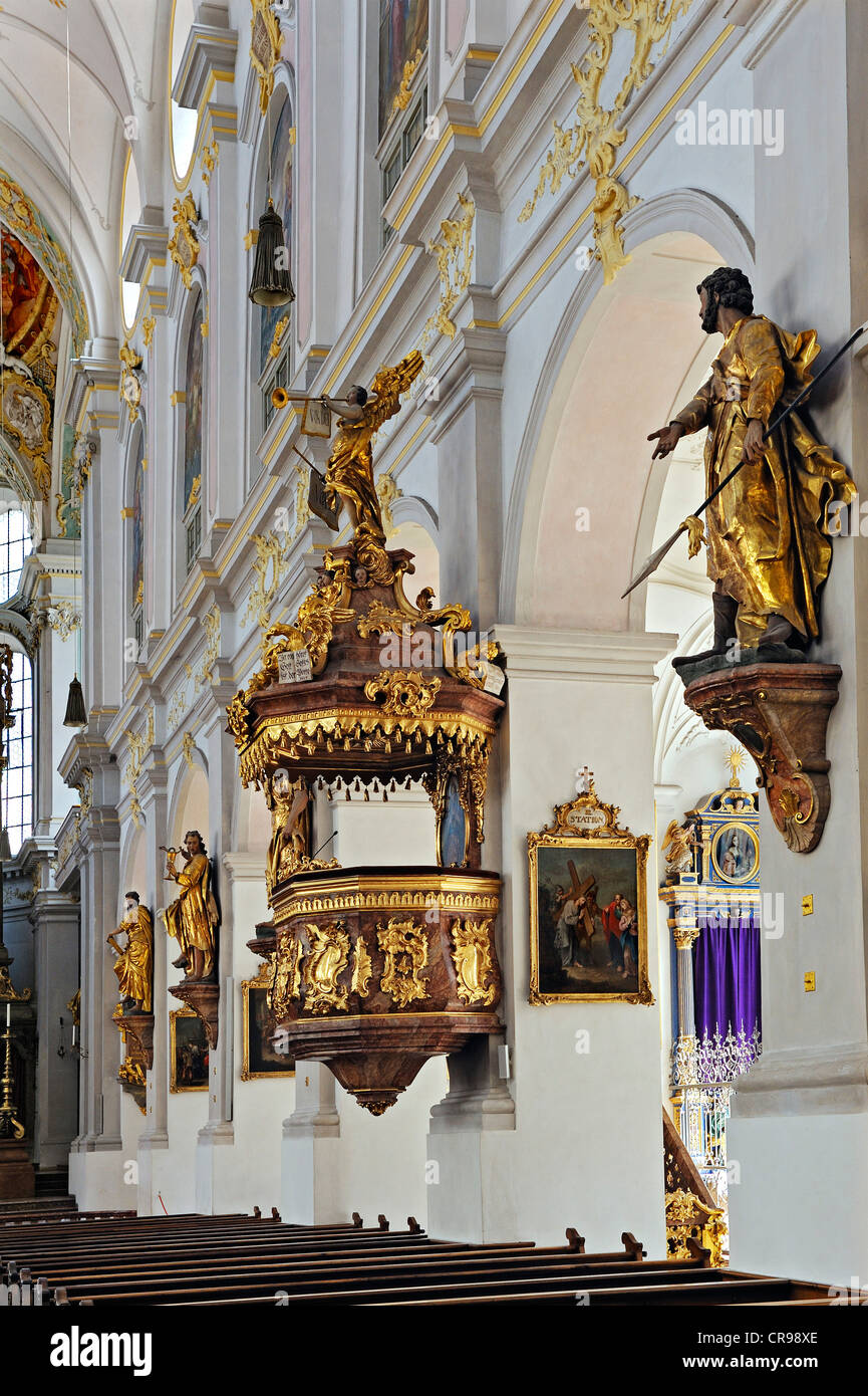 Pulpit and statues of saints, parish church of St. Peter, Munich, Bavaria, Germany, Europe - Stock Image