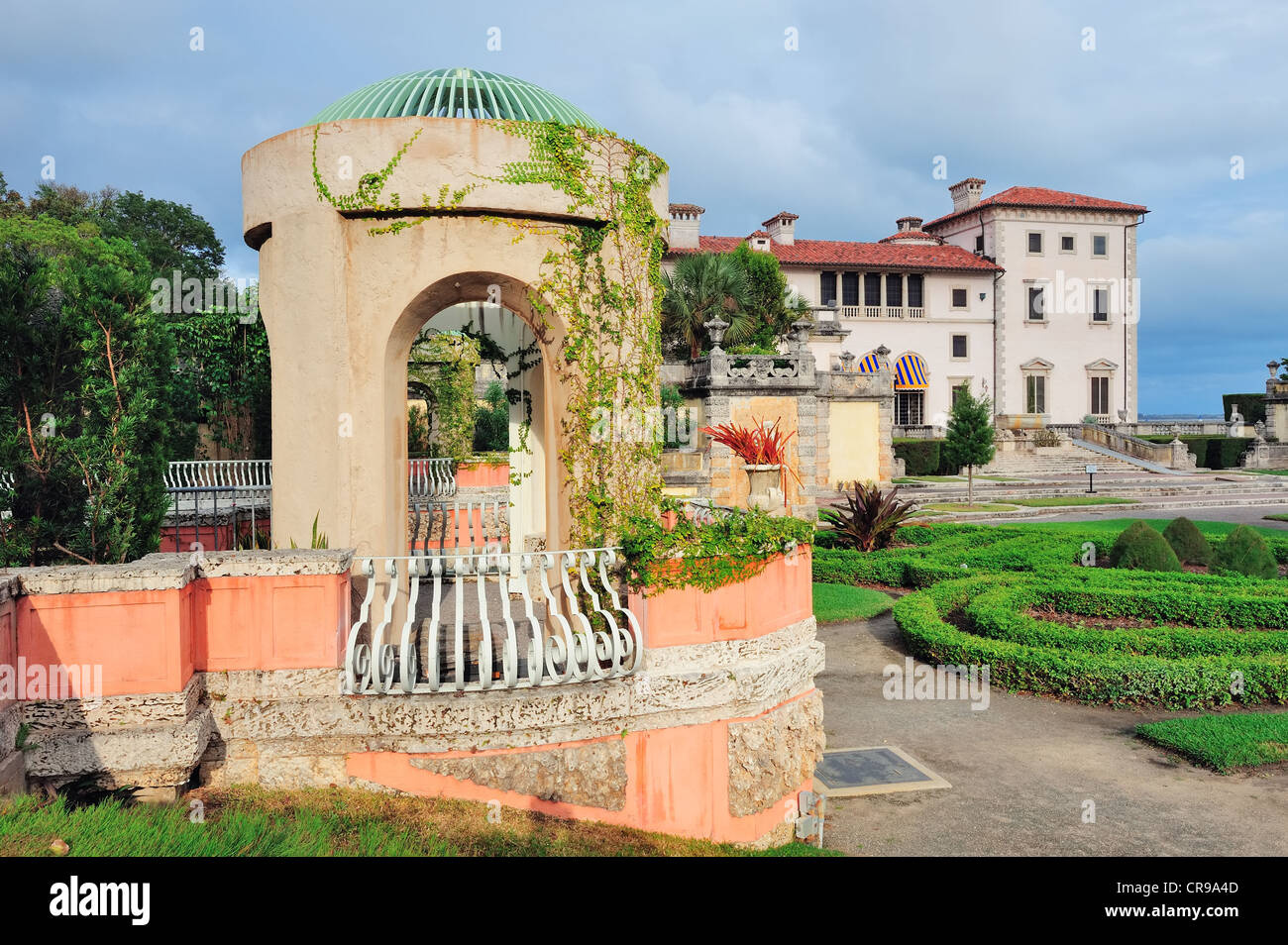 Miami Vizcaya museum garden view Stock Photo 48763357 Alamy