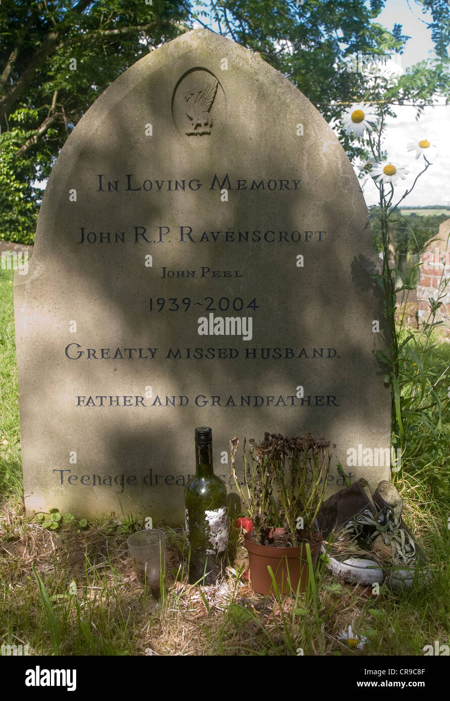 The grave of John Ravenscroft BBC broadcaster known as John Peel - Stock Image