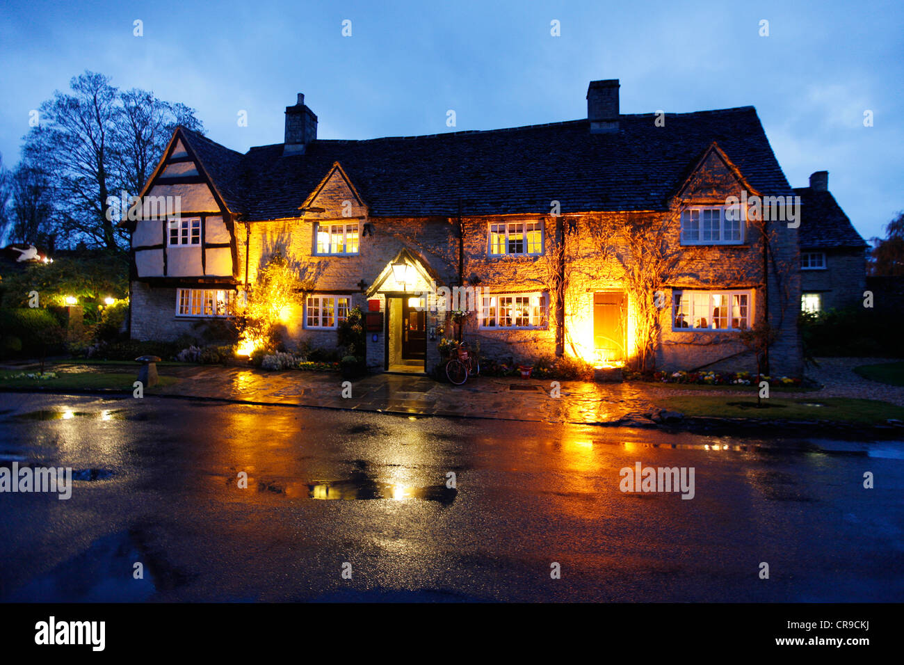 Historical hotel and restaurant Old Swan and Minster Mill, in Minster Mill Lovell, Oxfordshire, UK, Europe. - Stock Image