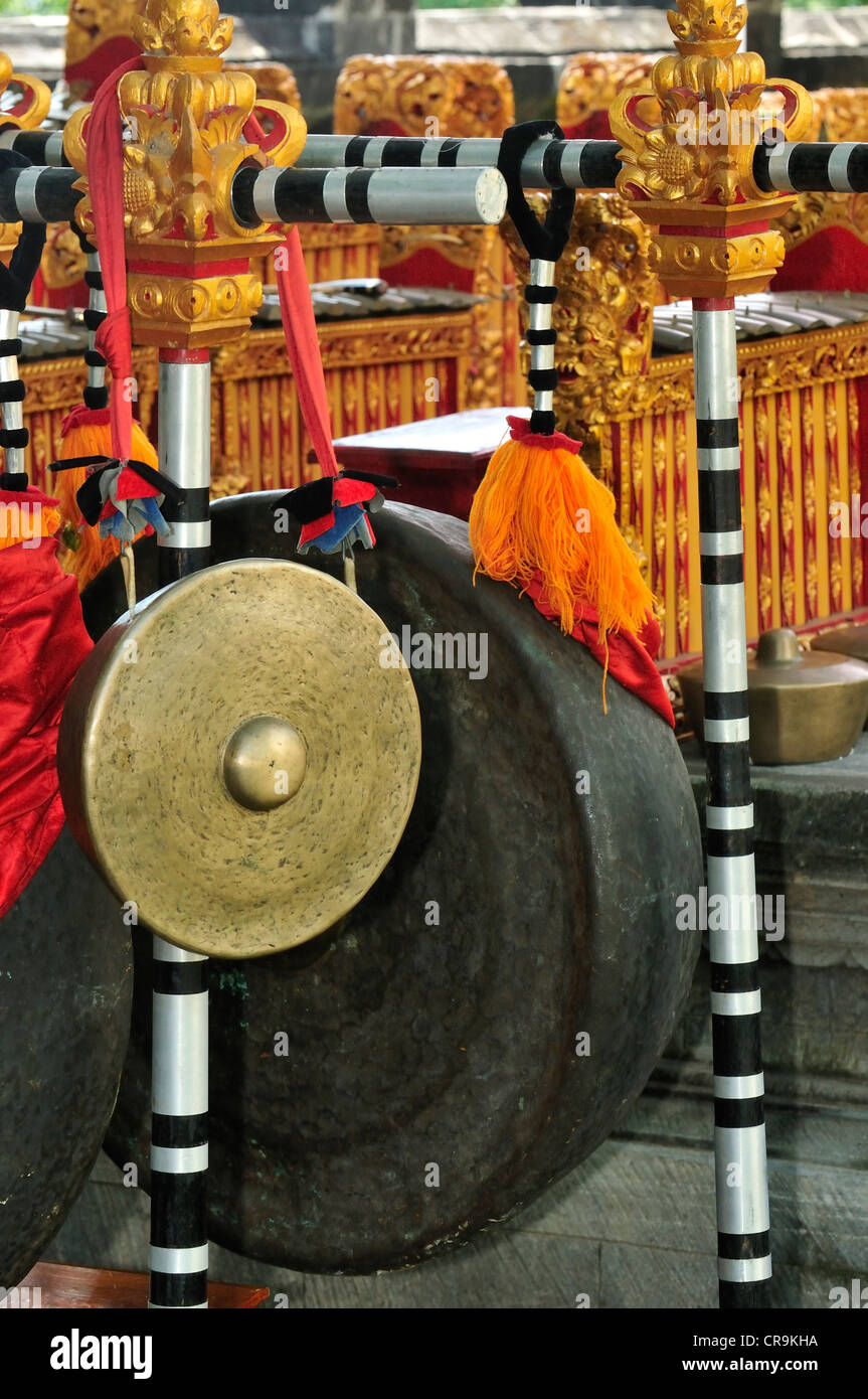 Musical instruments in the Ponjok Batu Temple, Bali, Indonesia - Stock Image