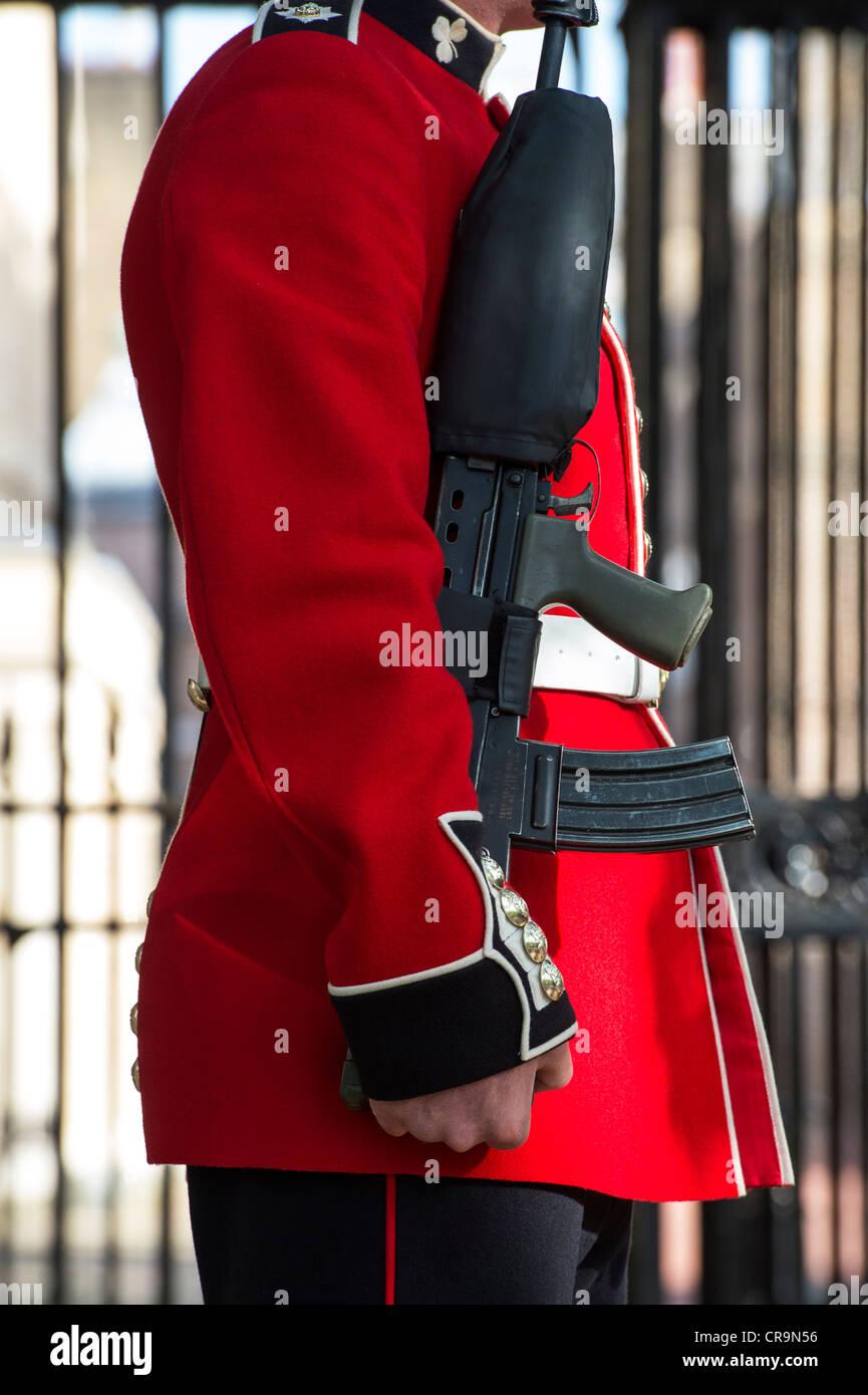 Guardsmen outside St James palace. The Mall, London, UK. - Stock Image