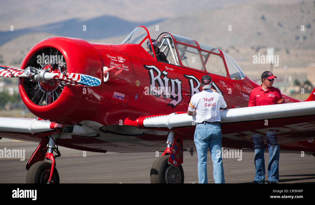 T-6 Texan preparing to race at the 2011 National Championship Air Races in Reno Nevada - Stock Image