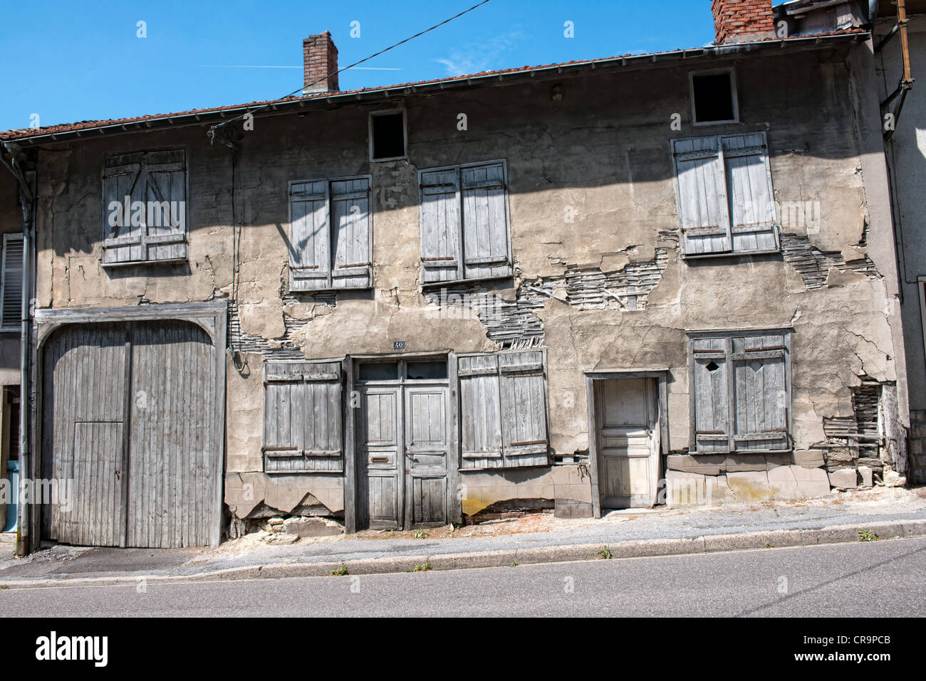 Dilapidated French house - Stock Image