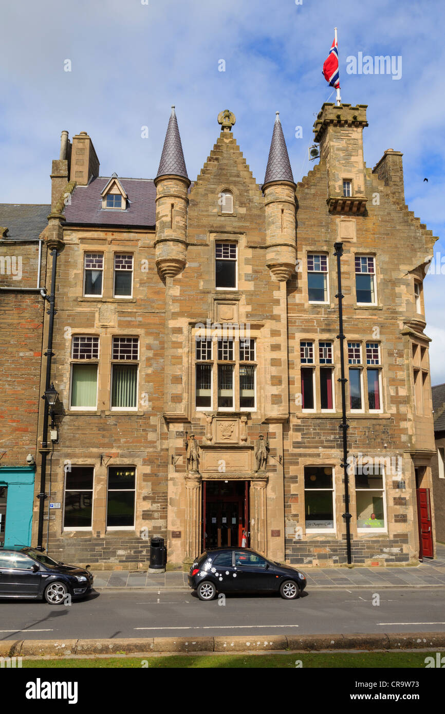 Town Hall 1884 community centre with St Magnus Cafe in Broad Street, Kirkwall, Orkney Islands, Scotland, UK - Stock Image