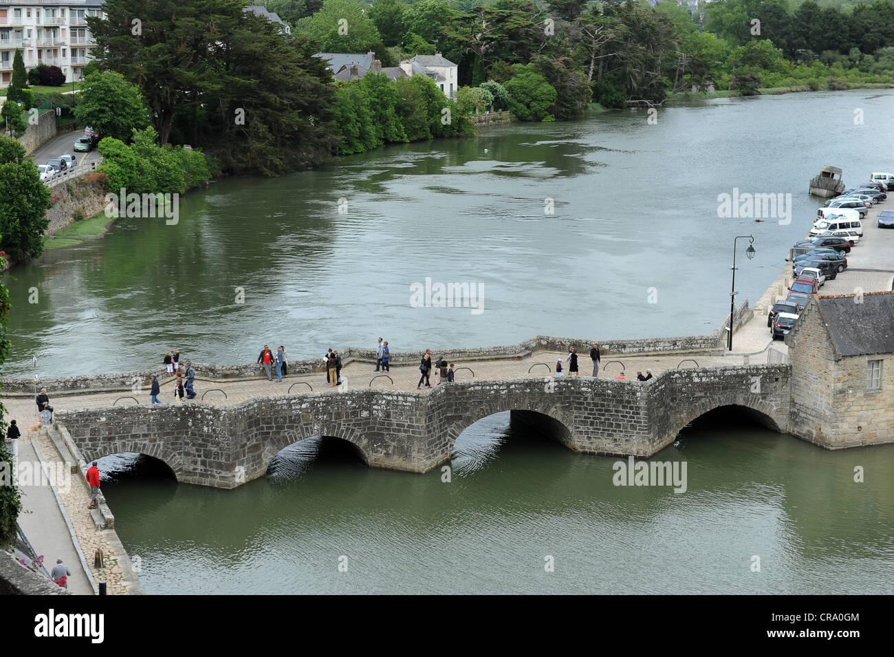 The Pont-Neuf bridge in Auray Brittany France Saint Goustan Port d'Auray - Stock Image