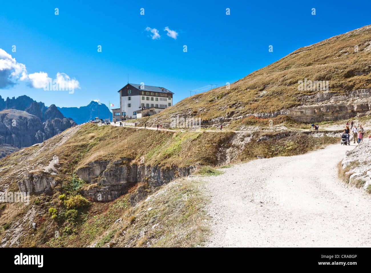 Auronzo Refuge, Three Peaks hiking trail, Alta Pusteria, Dolomites of Sesto, Italy, Europe Stock Photo