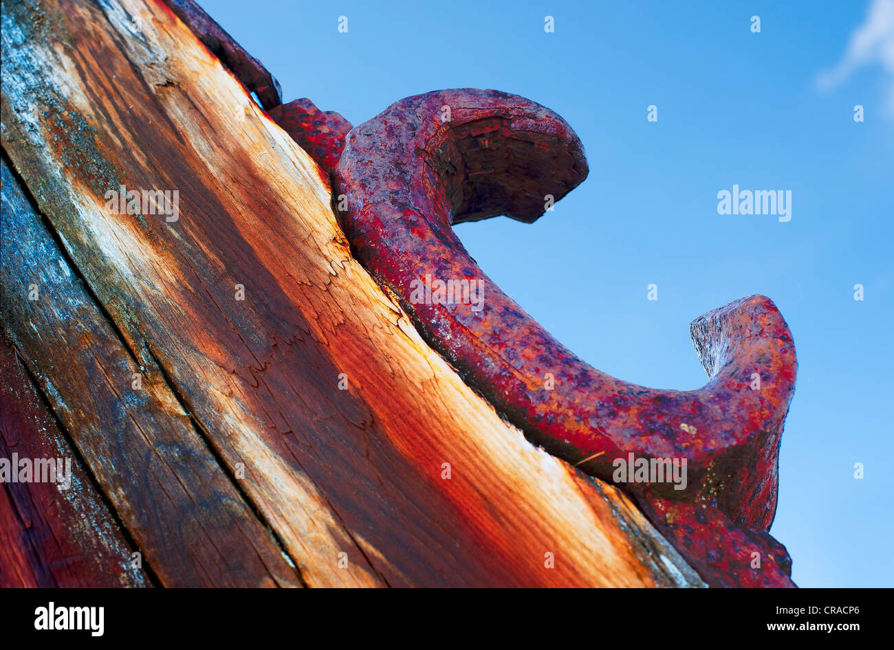 Corroded Iron oar holder on a ship wreck - Stock Image