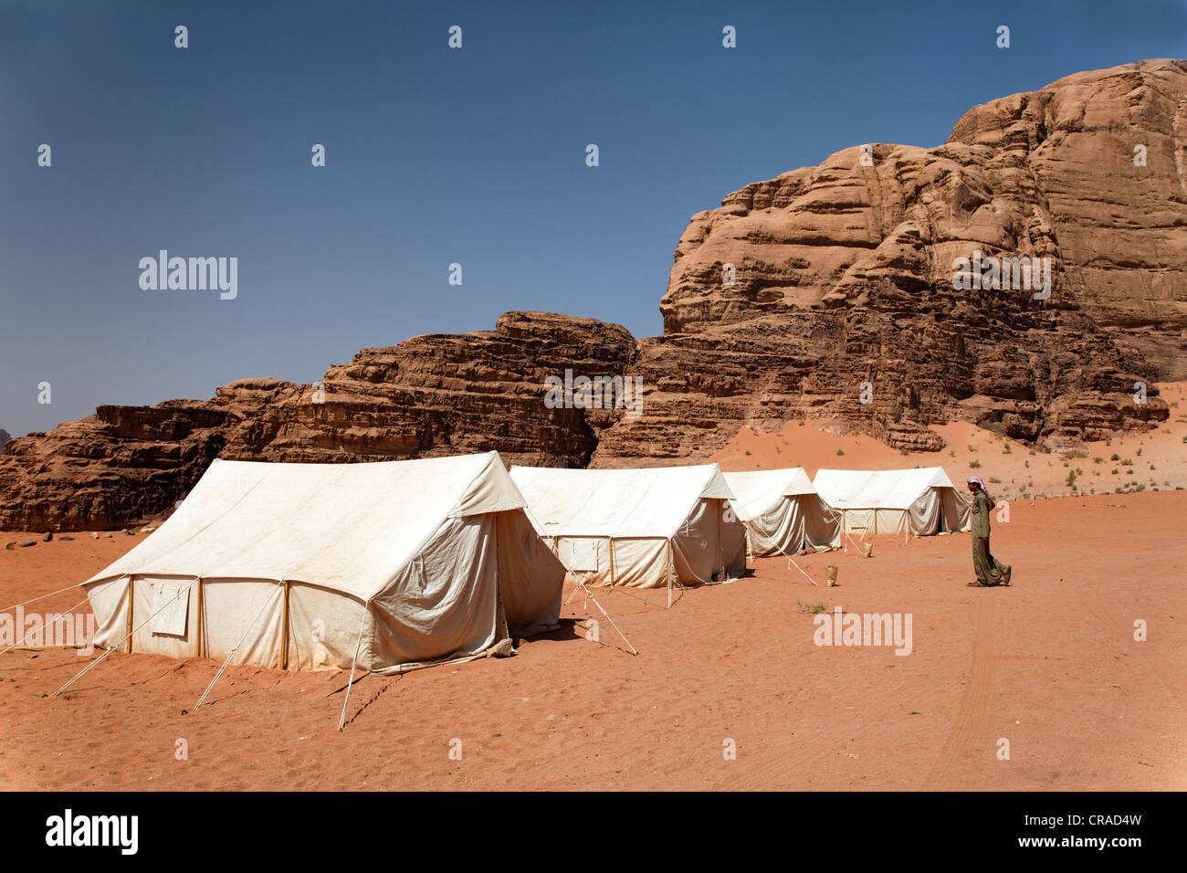Camp for tourists, tents, Bedouin, mountains, desert, nature preserve, Wadi Rum, Hashemite Kingdom of Jordan, Middle - Stock Image