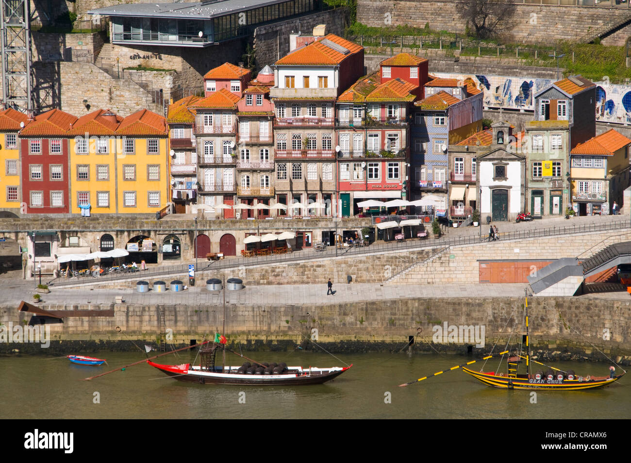 Buildings on the banks of Rio Douro, Porto, Portugal, Europe - Stock Image