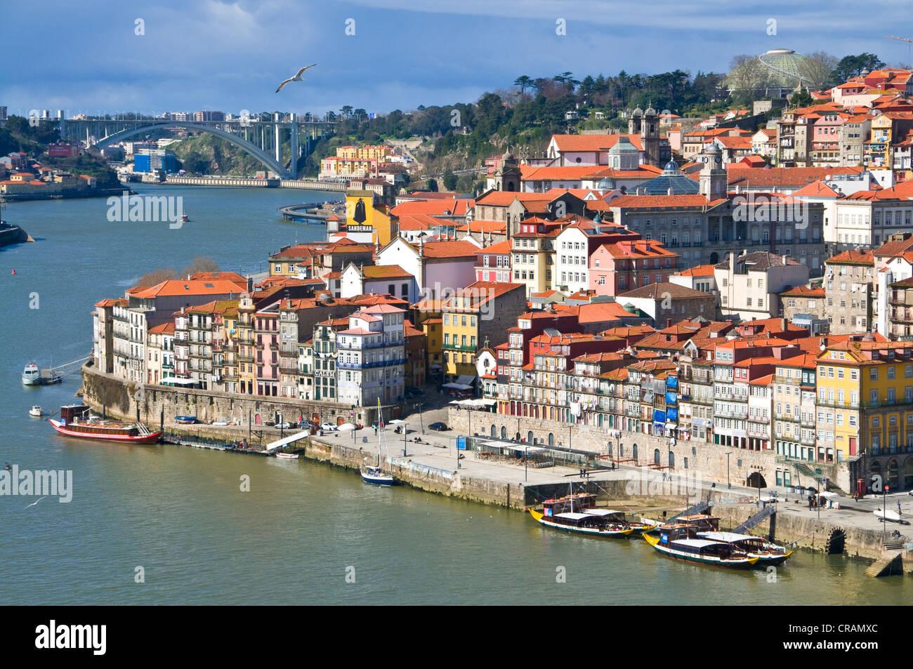 Panoramic view across Porto with Rio Douro, Portugal, Europa - Stock Image