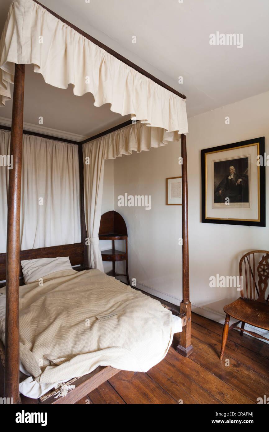 John Wesley's bedroom in The New Room, Bristol, the oldest Methodist Chapel in the world (originally built in - Stock Image