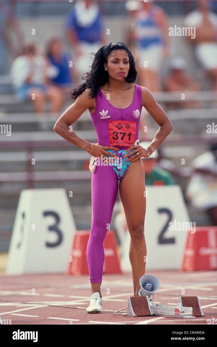 florence-griffith-joyner-competing-at-the-1988-us-olympic-track-and-CRAWDA.jpg