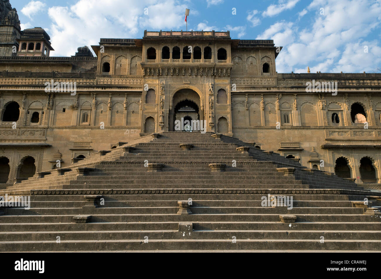 Flight of stairs leading to the entrance of the Ahilya Fort, Maheshwar, Madhya Pradesh, India, Asia - Stock Image