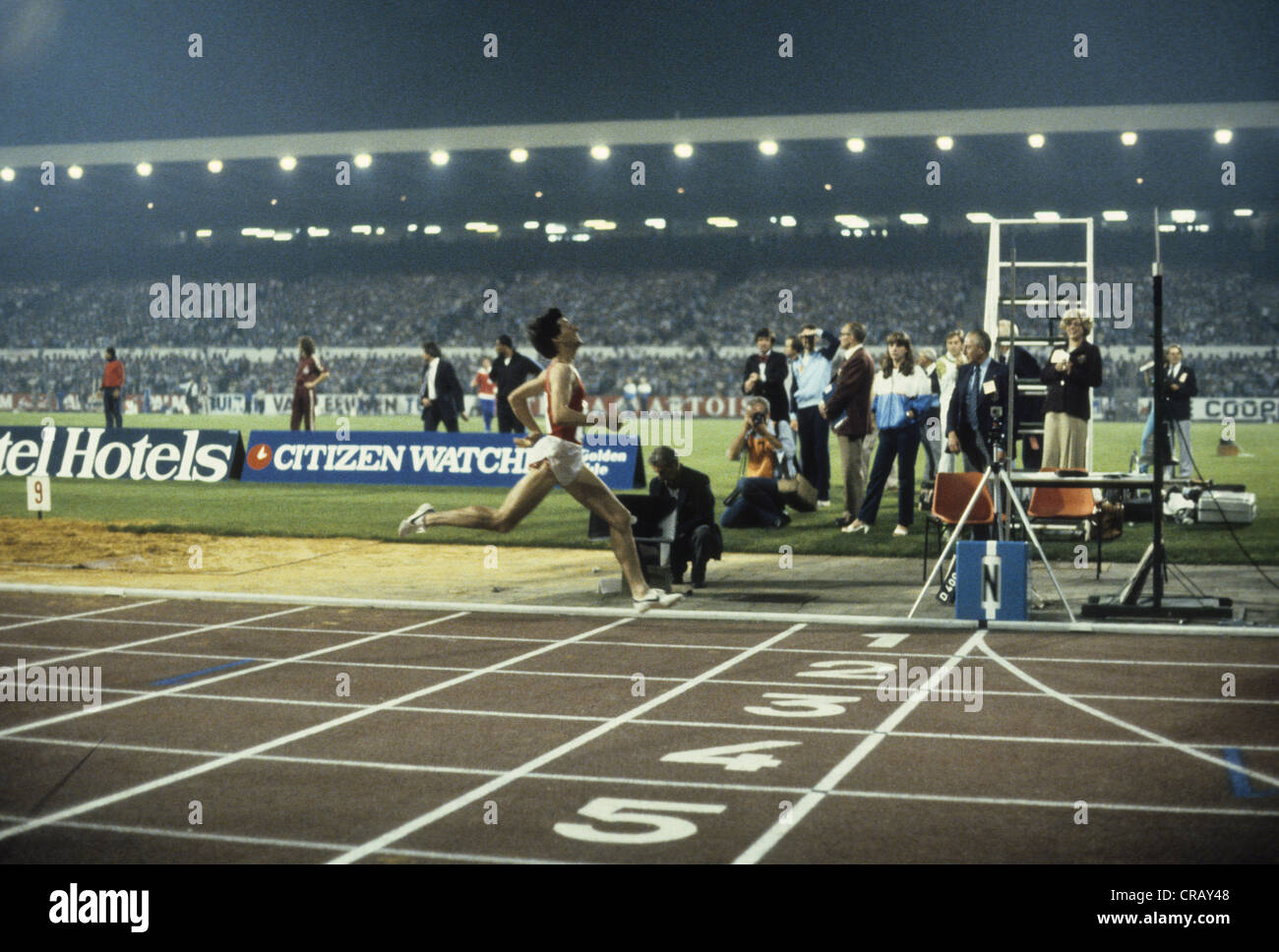 Seb Coe breaking the world record in the mile in 3:47.33 in the 1981 Golden Mile, Brussels - Stock Image