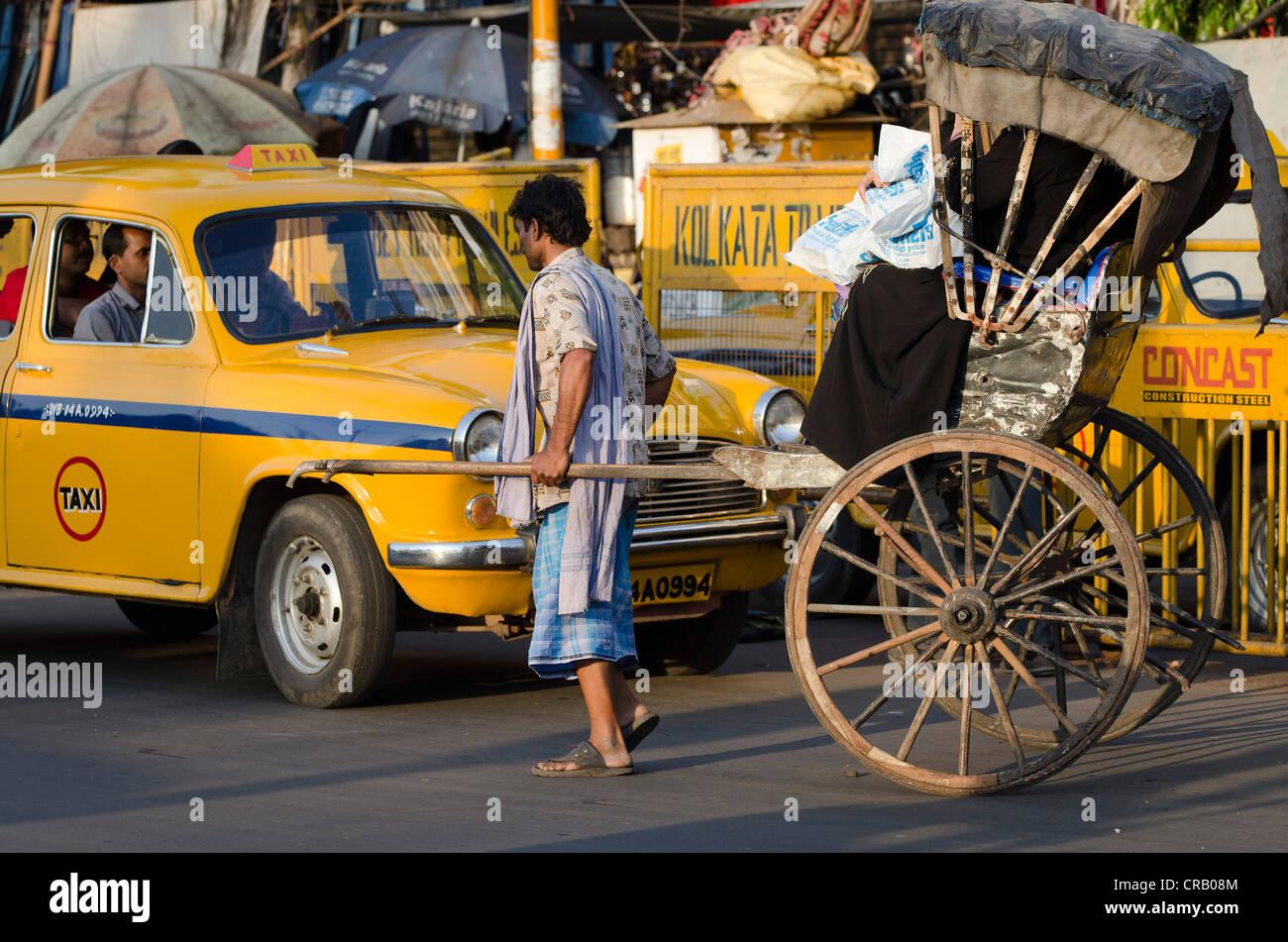 Rickshaw, Jawaharlal Nehru Road, Calcutta, Kolkata, West Bengal, India - Stock Image