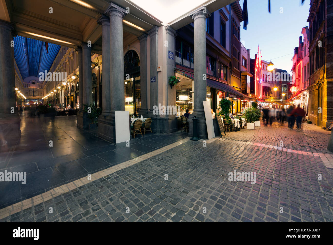 Passers-by in the old town, Beenhouwersstraat, Brussels, Belgium, Europe - Stock Image