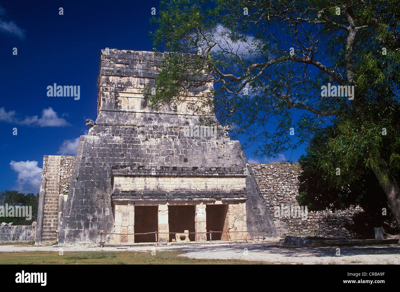 Temple of the Jaguars, Mayan ruins of Chichen Itza, Yucatan, Mexico, North America - Stock Image