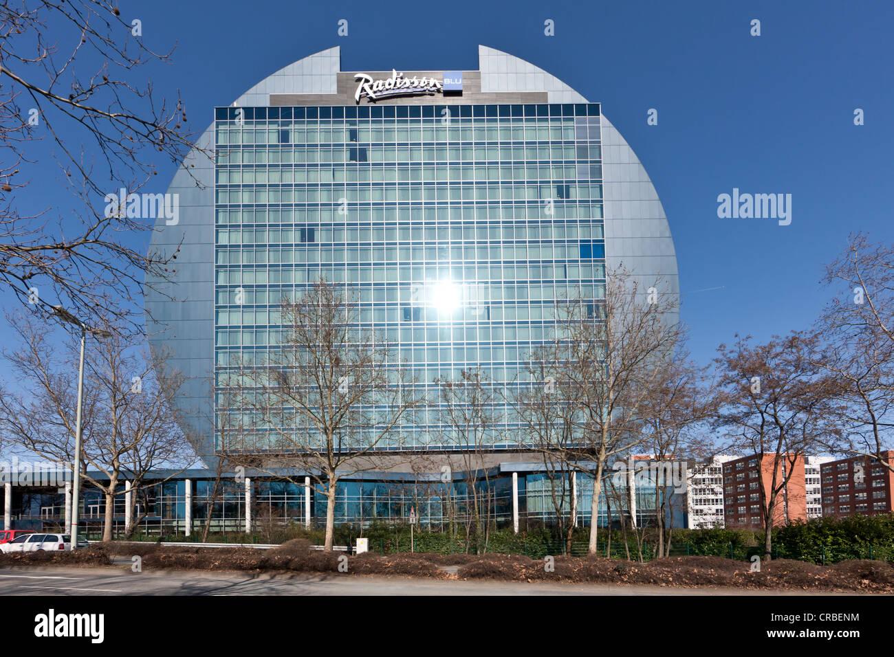 Radisson Blu Hotel, Frankfurt, Hesse, Germany, Europe - Stock Image