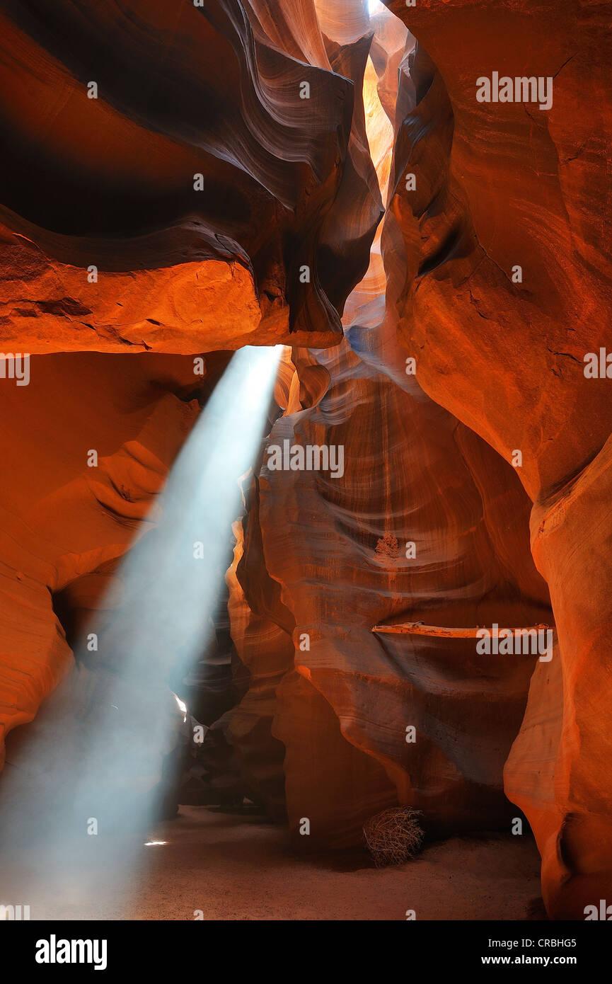 Antelope Canyon with light beam at noon, Page, Arizona, USA - Stock Image
