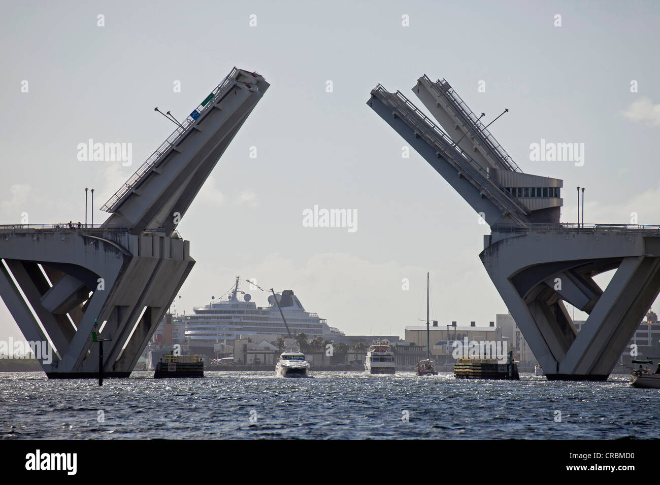 Bascule bridge in the harbour of Port Everglades in Ford Lauderdale, Florida, USA - Stock Image