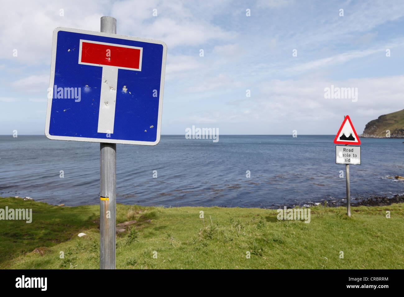 Sign 'dead end' or 'cul-de-sac', Murlough Bay near Ballycastle, County Antrim, Northern Ireland, - Stock Image