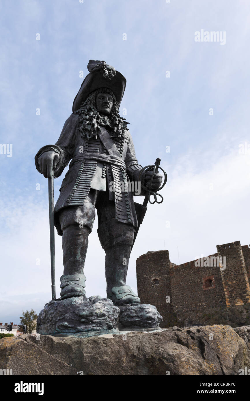Statue of King William III in memory of 14th June 1690, in front of Carrickfergus Castle, County Antrim, , United - Stock Image
